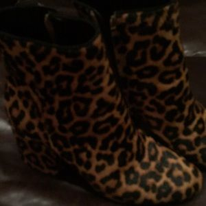 Leopard boots ankle